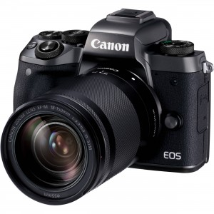 Digital EOS M5 with EF-M18-150 IS STM